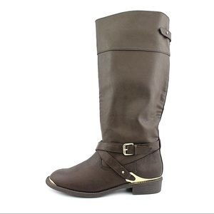 Report knee high Neves style Boots Size 6.5